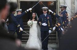 关颖珊与美国人克莱-佩尔完婚
