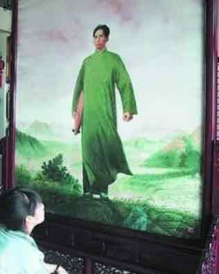 4位湘绣高手15个月绣出《毛主席去安源》