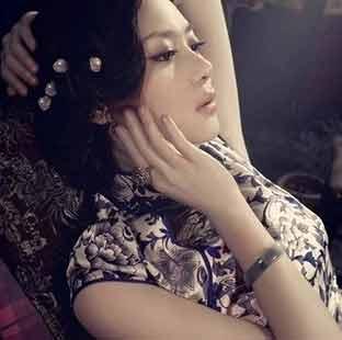 旗袍含蓄隐约之韵味
