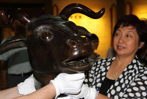 圆明园生肖兽首抵达新疆博物馆