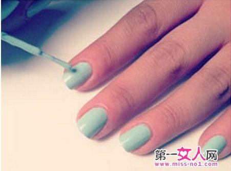 蓝绿色甲油