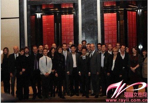 2011梅蒂奇董事长与所运营品牌总裁、代表合影